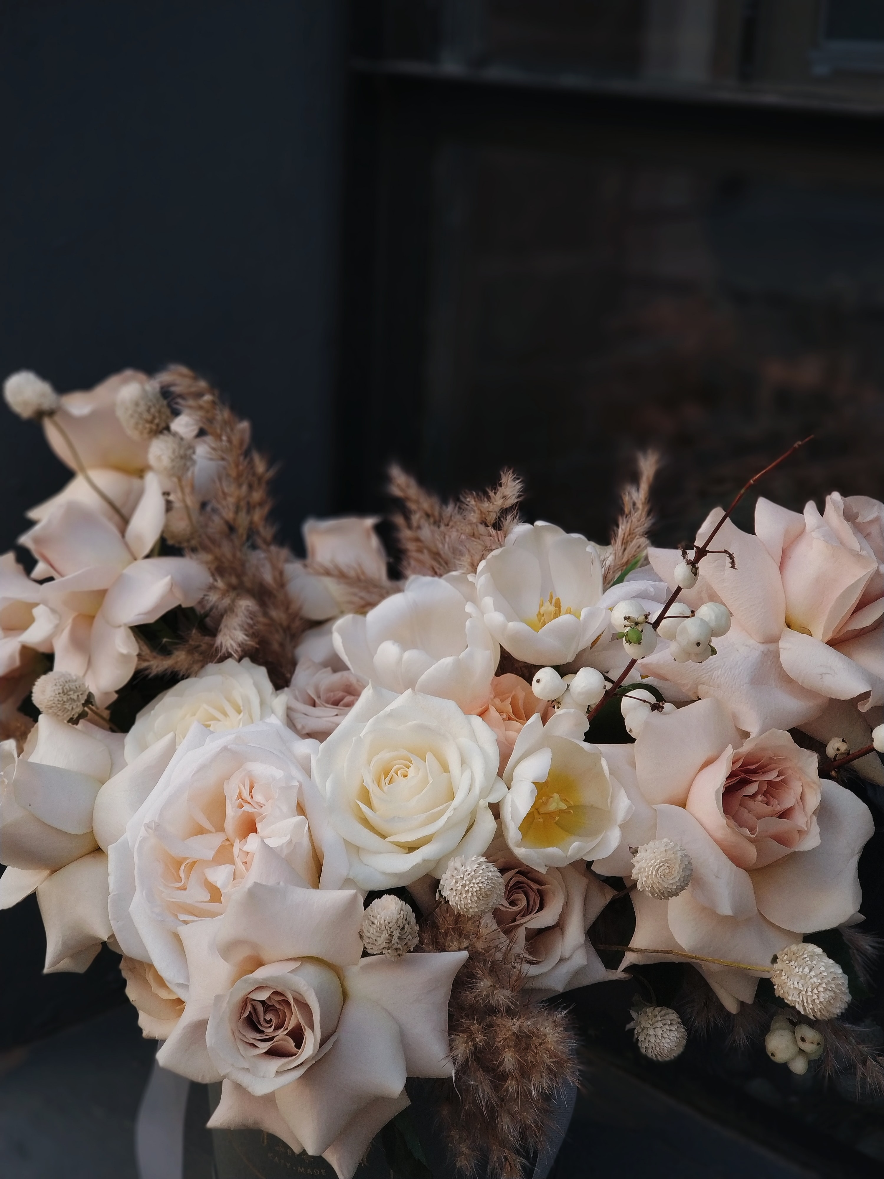 pink and white flower bouquet close-up photography