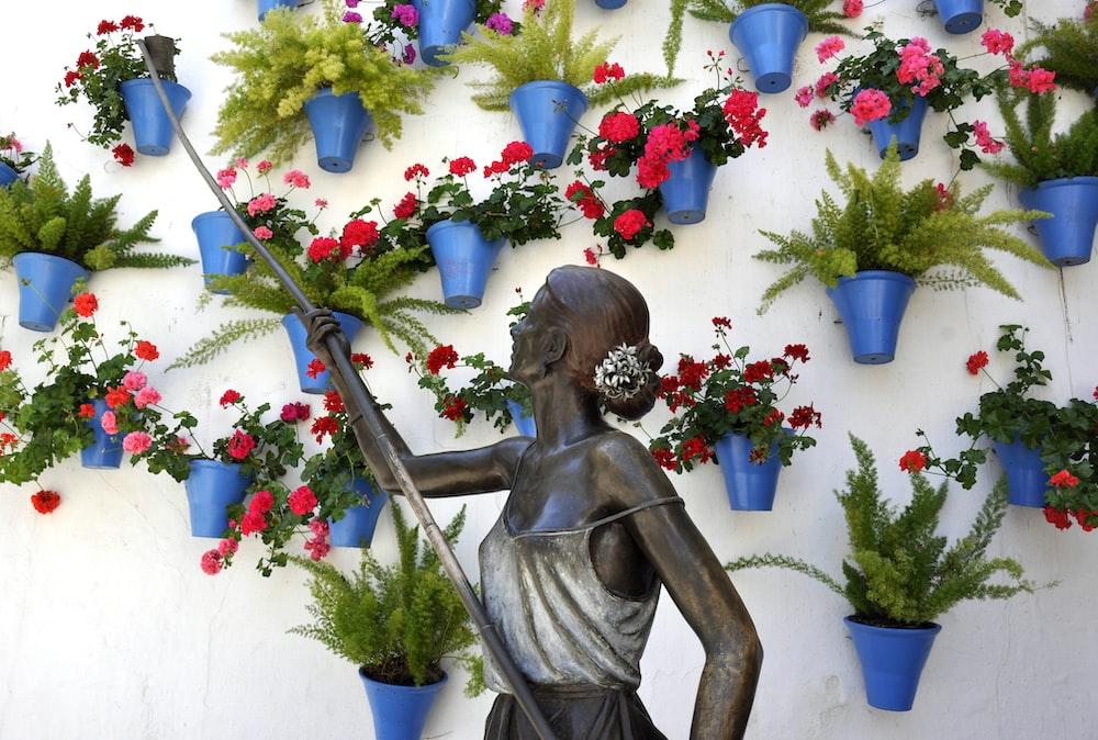concrete woman statue
