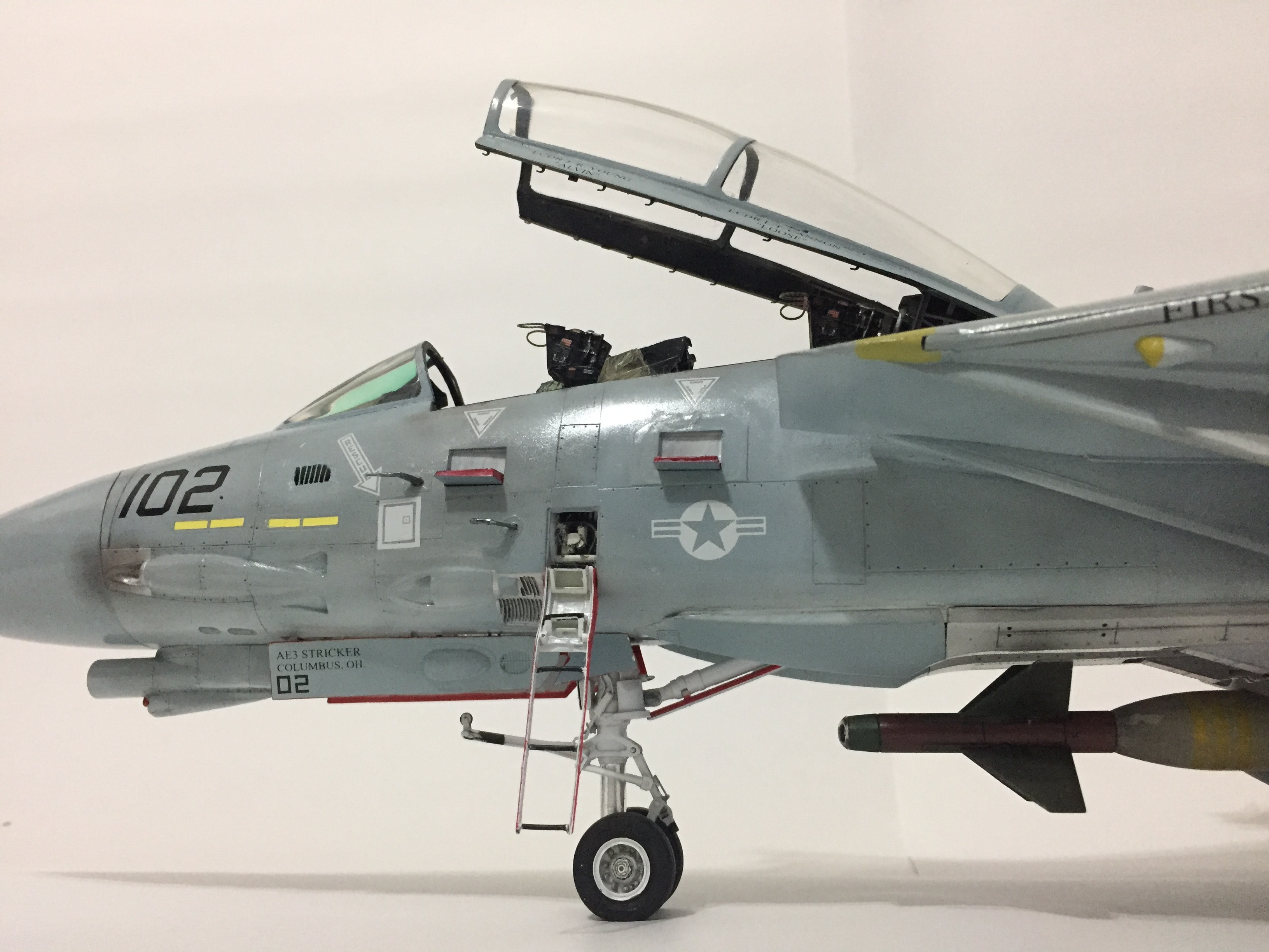 gray 102 fighter plane
