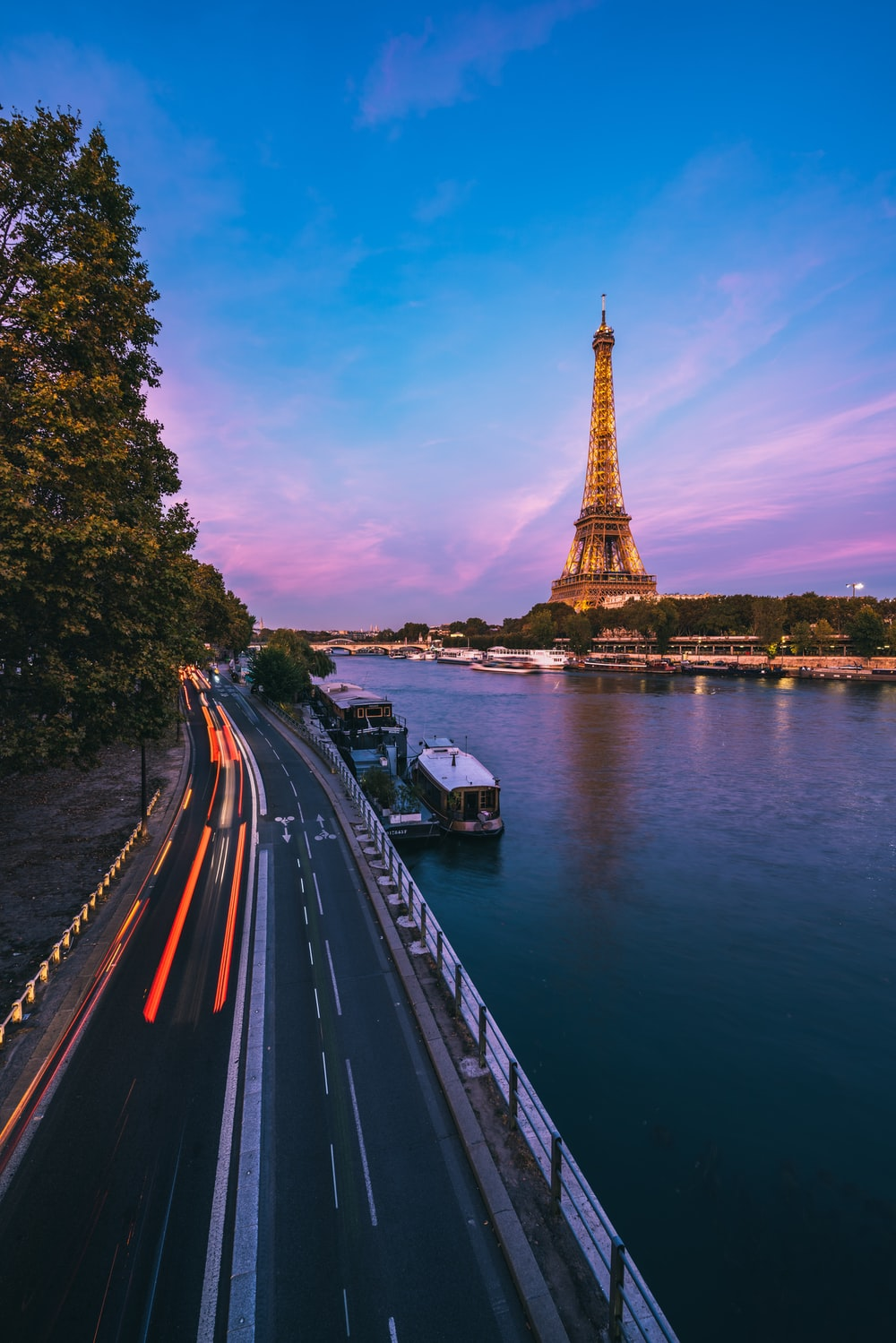 road in front of Eiffel Tower during daytime