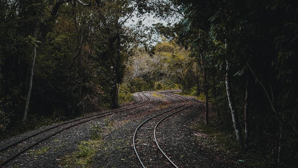 empty train rails
