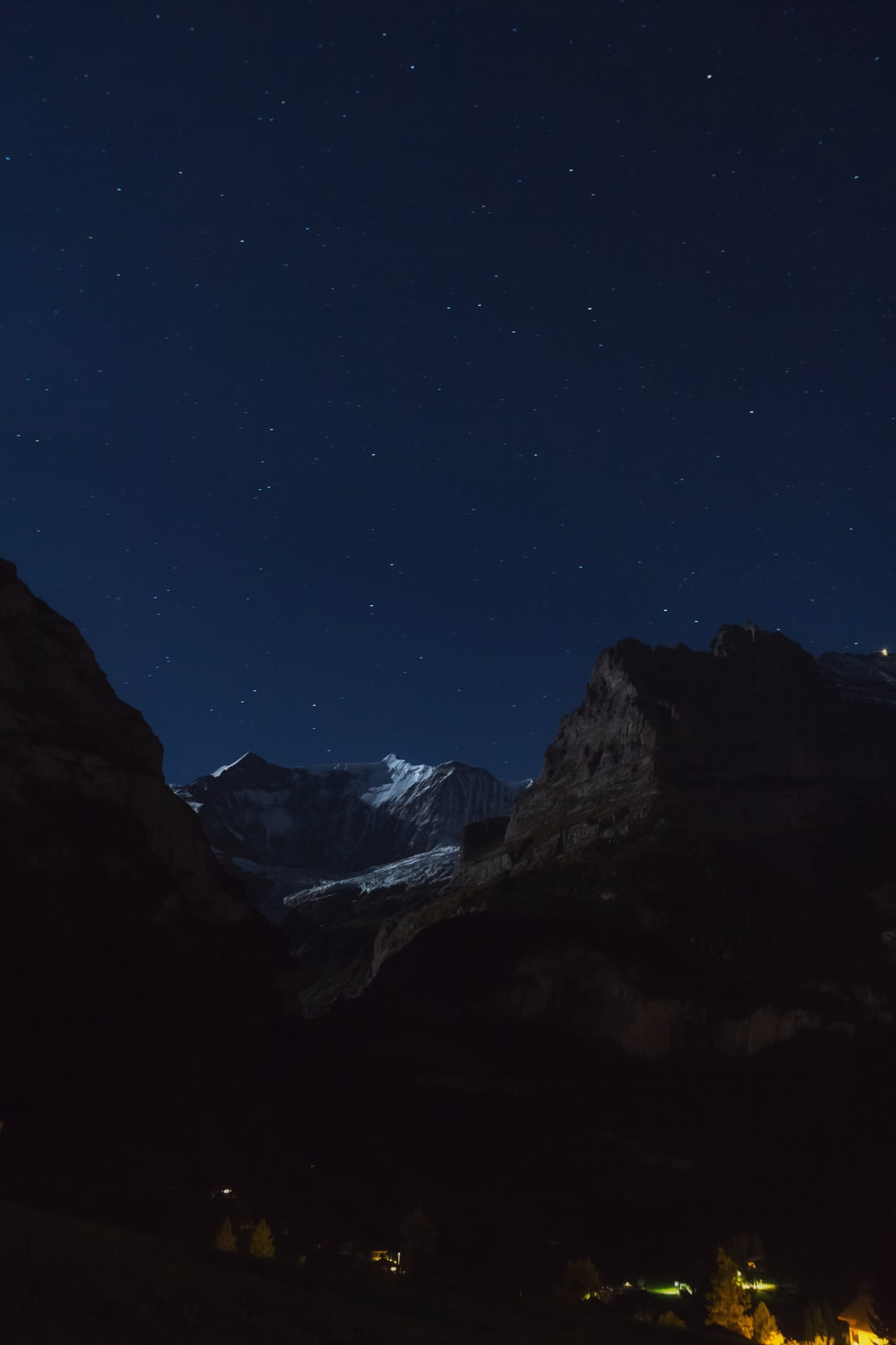 From Grindelwald, watching the peak of Alps.