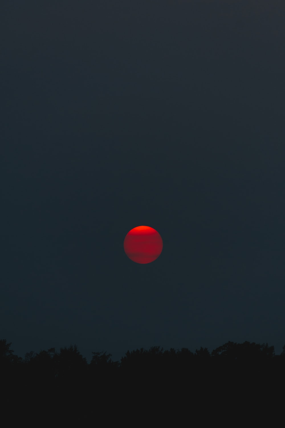 red moon at night