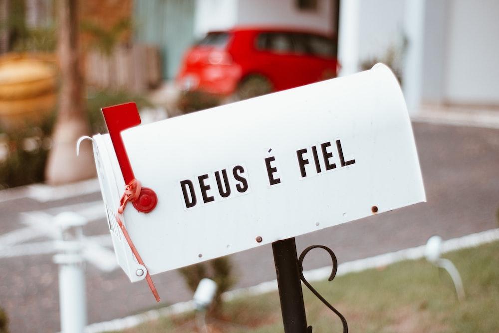 selective focus mailbox