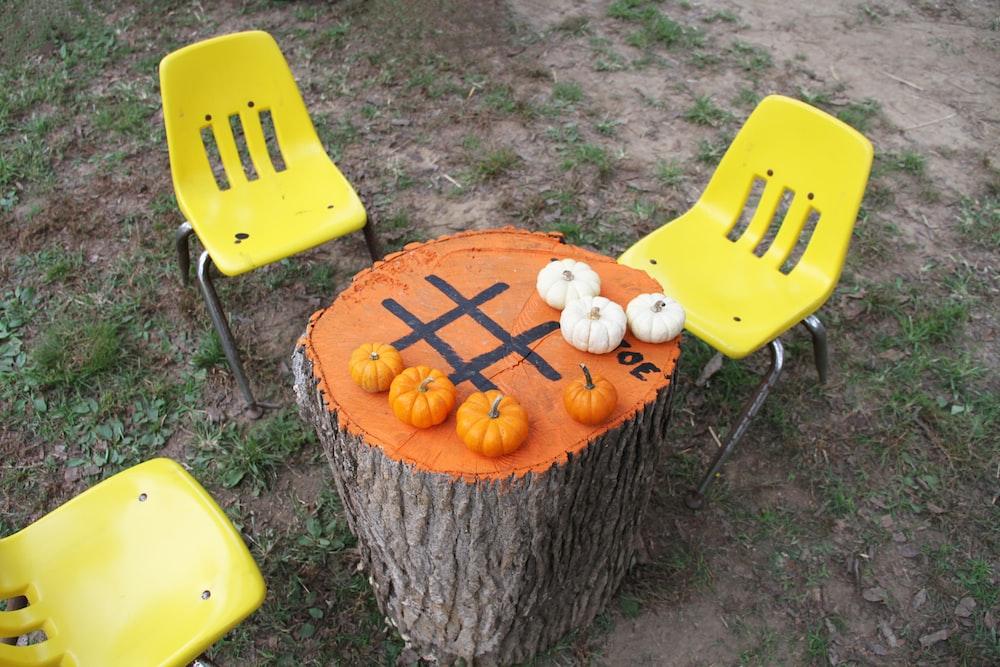 pumpkins on desk
