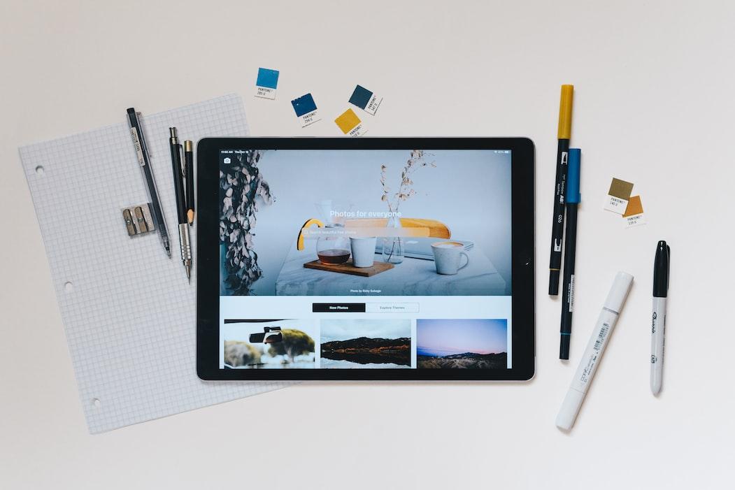 Pandai menggambar? Tawarkan jasa desain grafis kepada para calon pelanggan