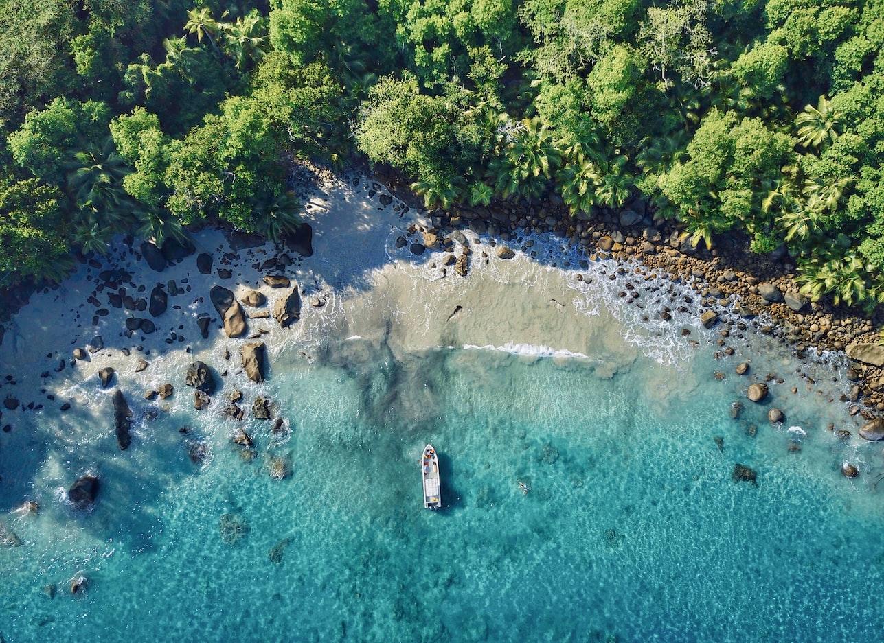 seszele-wyspa-silhouette-plaża