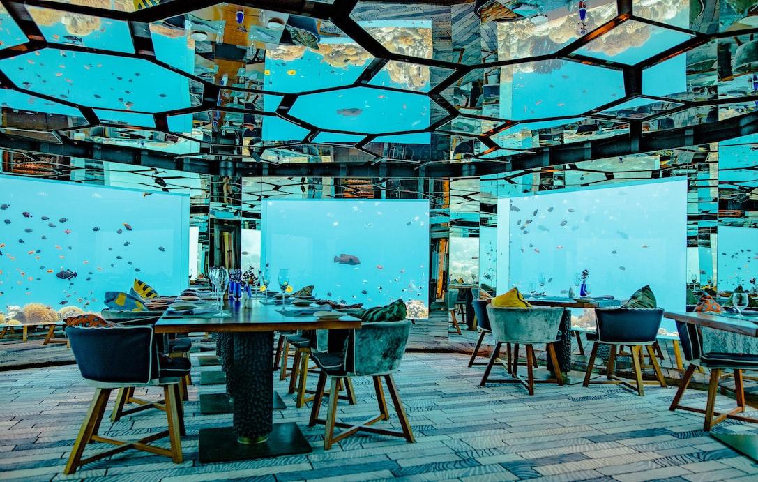 Maldives resort restaurant