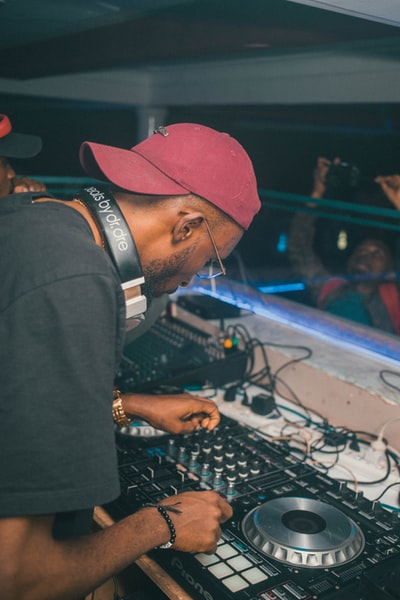 deejay Virus in Wakanda