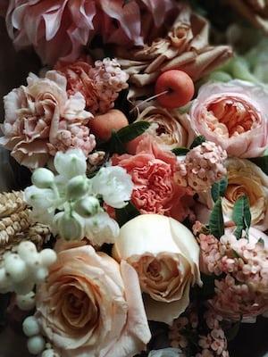 3857. Virágok