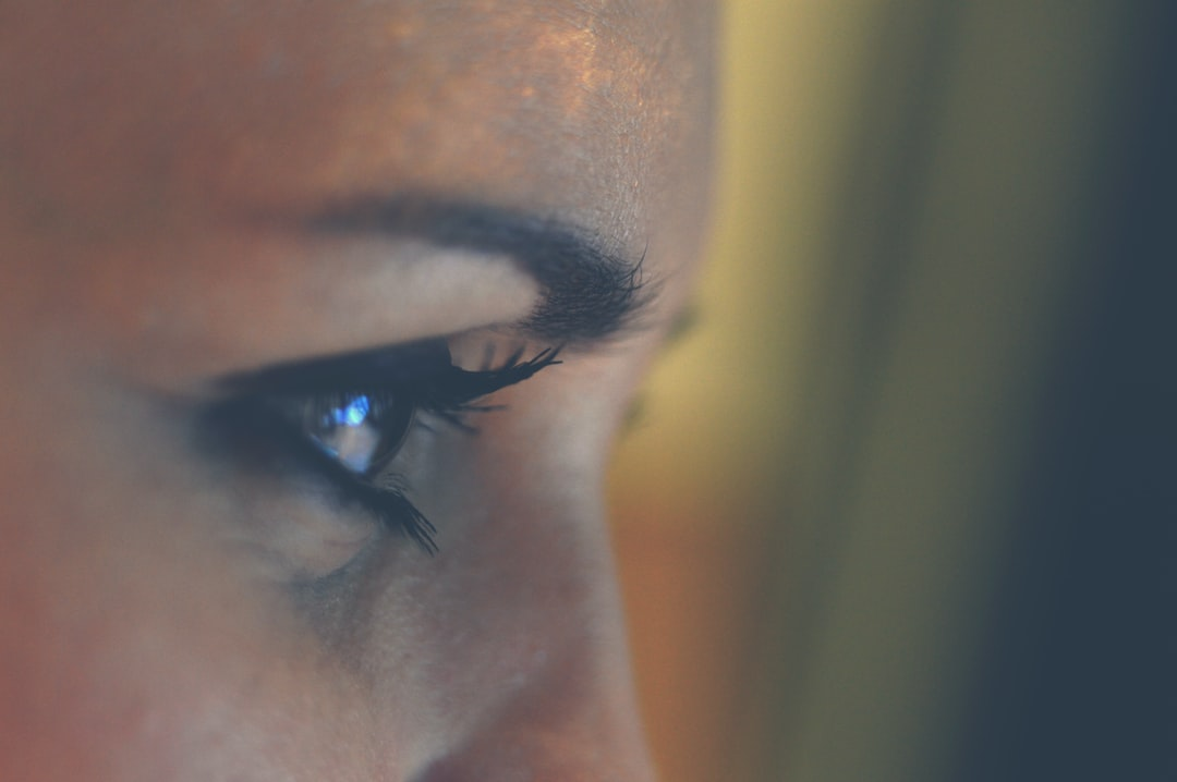 This Is How to Tint Your Eyelashes Correctly