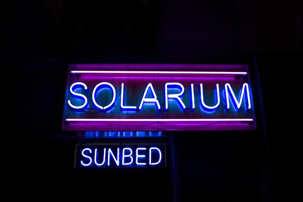 Solarium Sunbed neon signage turned-on