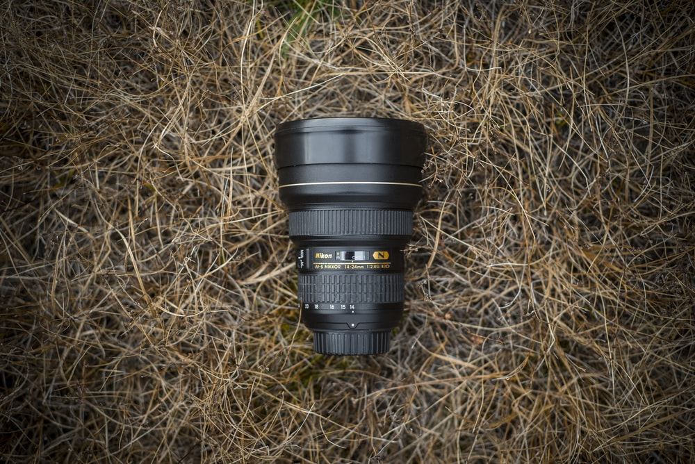 black lens on brown ground