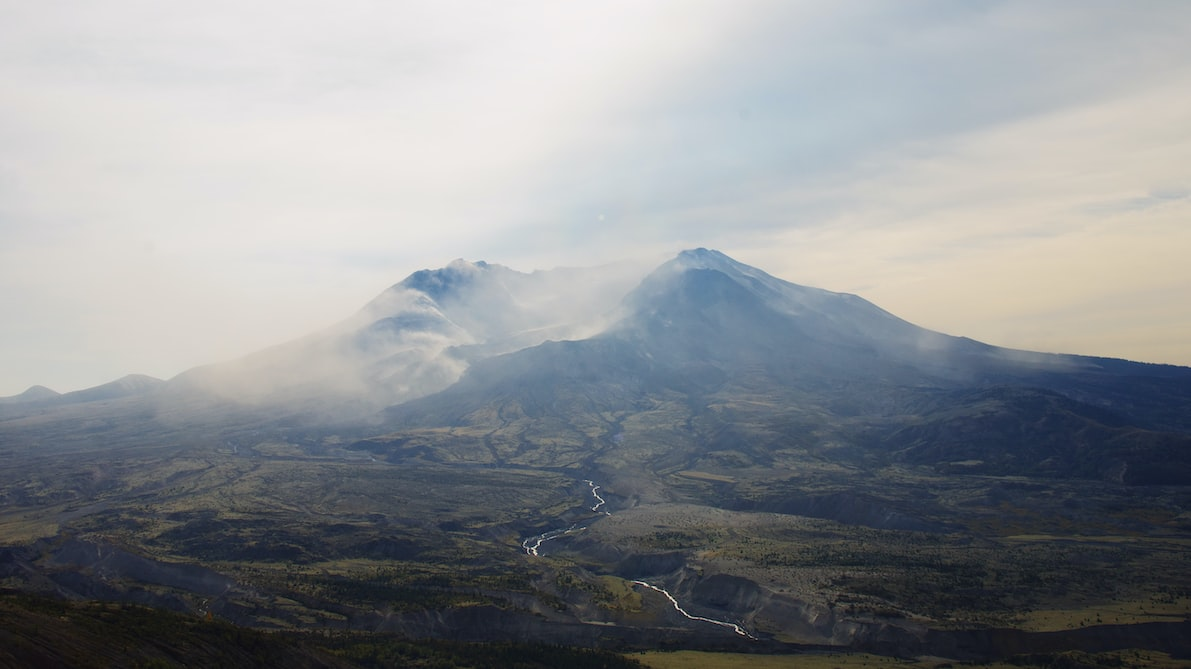 The worst air polluter in the entire state of Washington is Mount St. Helens.