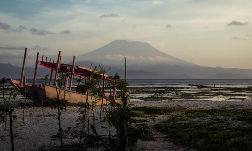 volcano indonesia facts