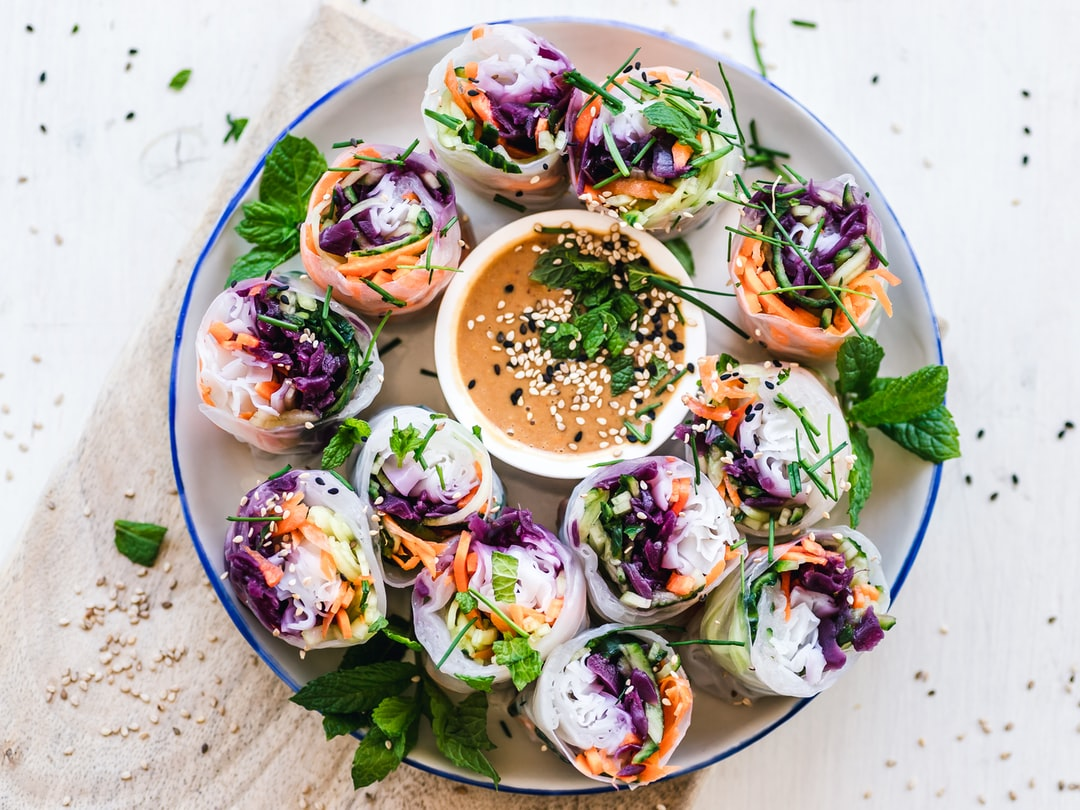 Check out those fibre-rich, summer rolls filled with vegetables by Ella Olsson.