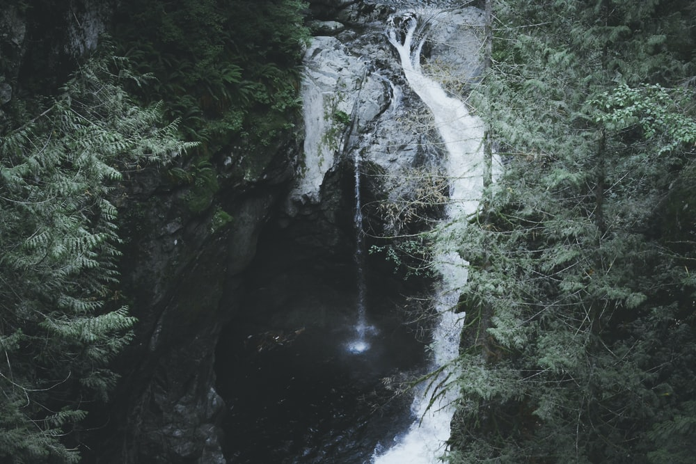 water falls at daytme