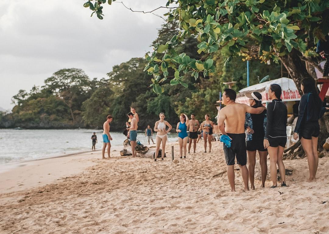 People in 7 Commandos Island