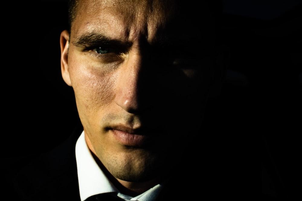 close-up photo of man's face