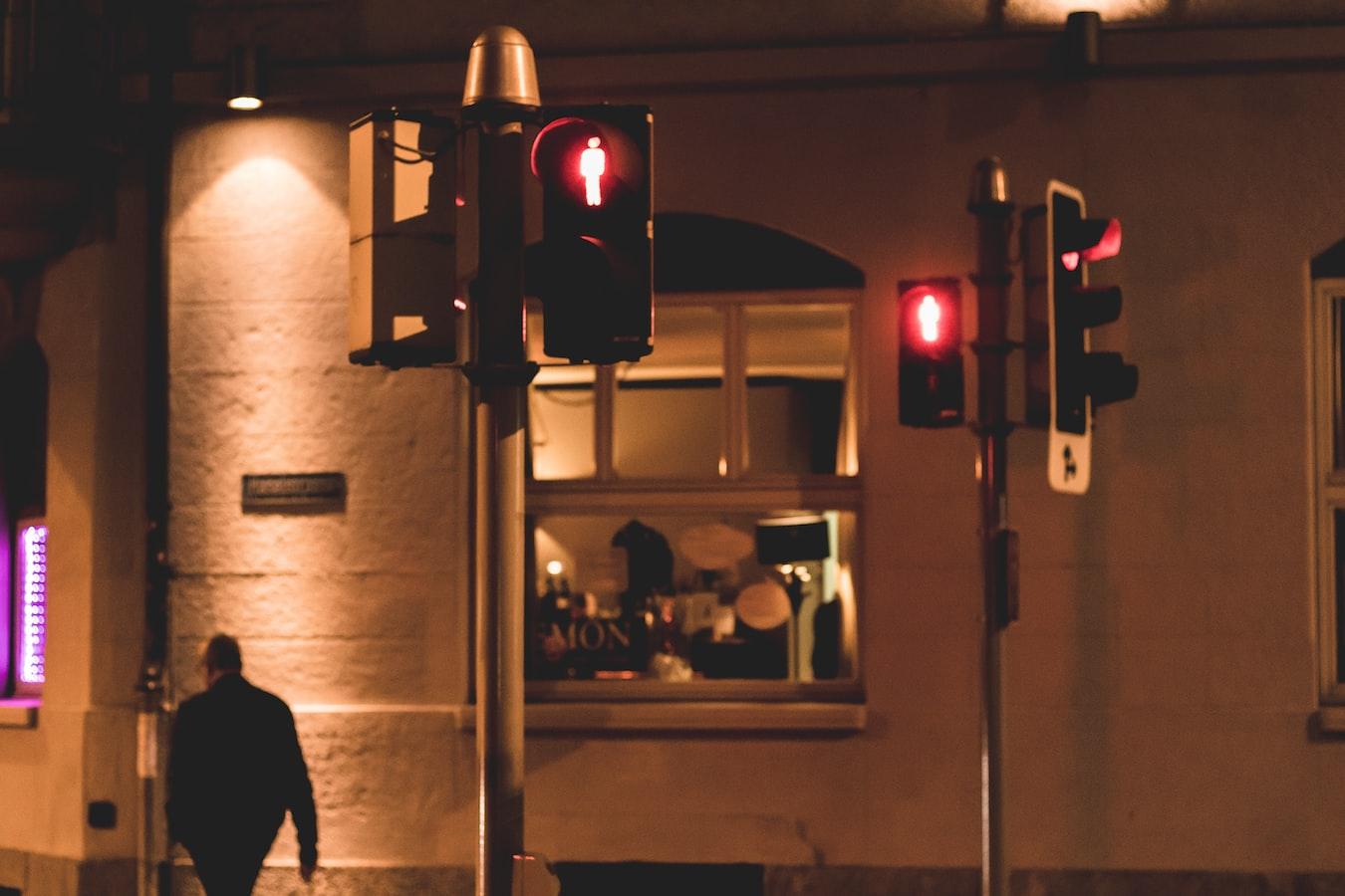 Yapay zeka tabanlı trafik yönetimi ile ışıklarda bekleme azalıyor!