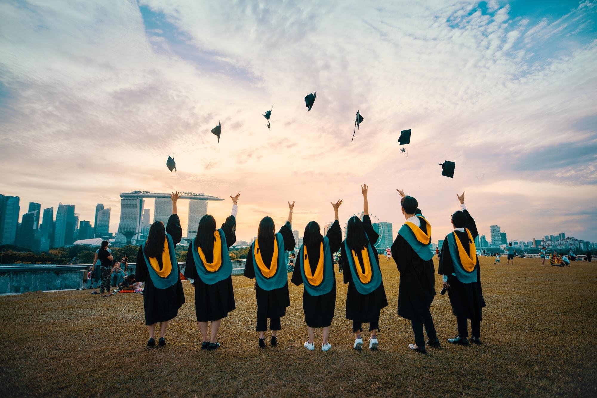 भारतीय छात्रों का भी लंदन की इकॉनिमी में 'अहम' योगदान, जानिए कैसे