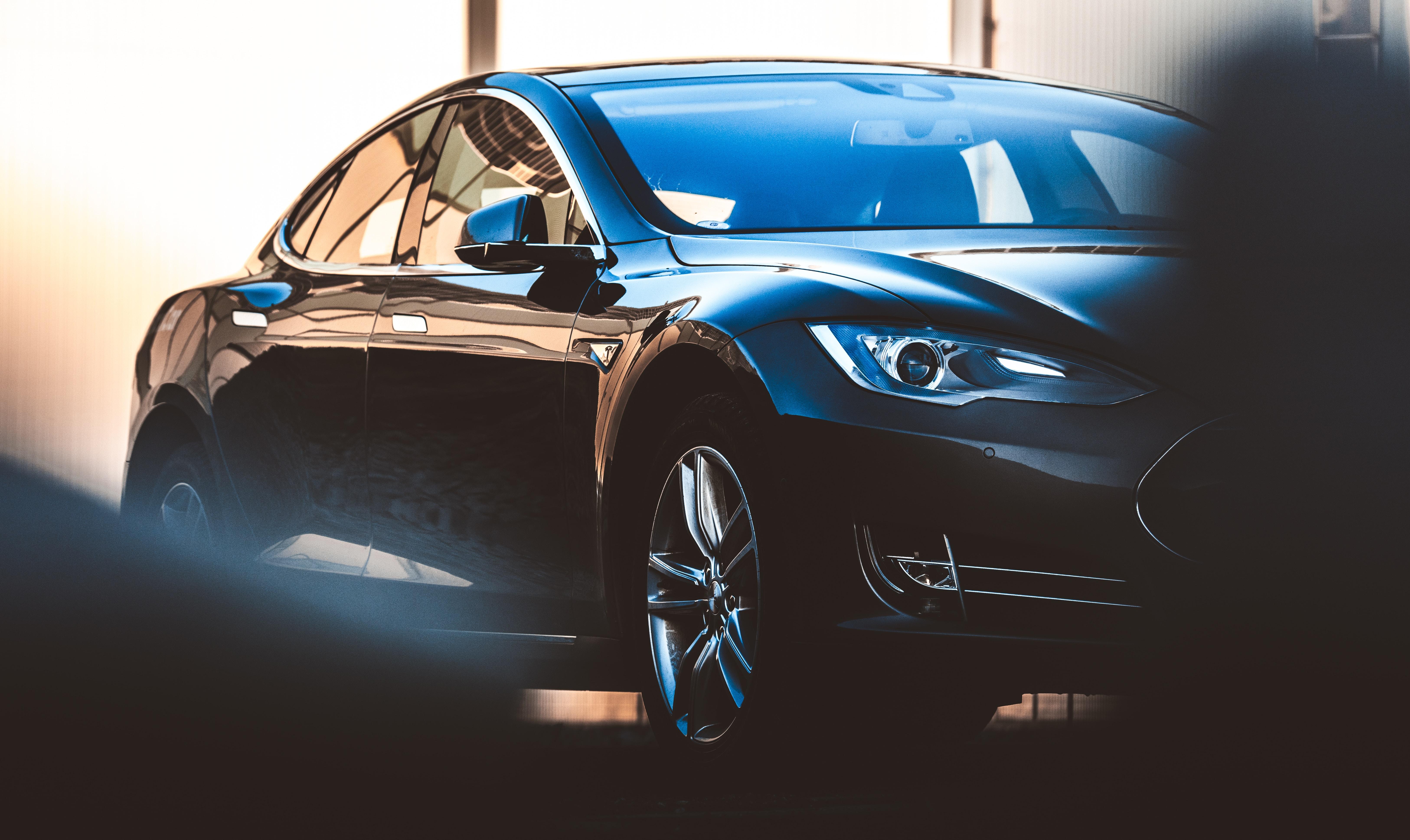 closeup photography black sedan