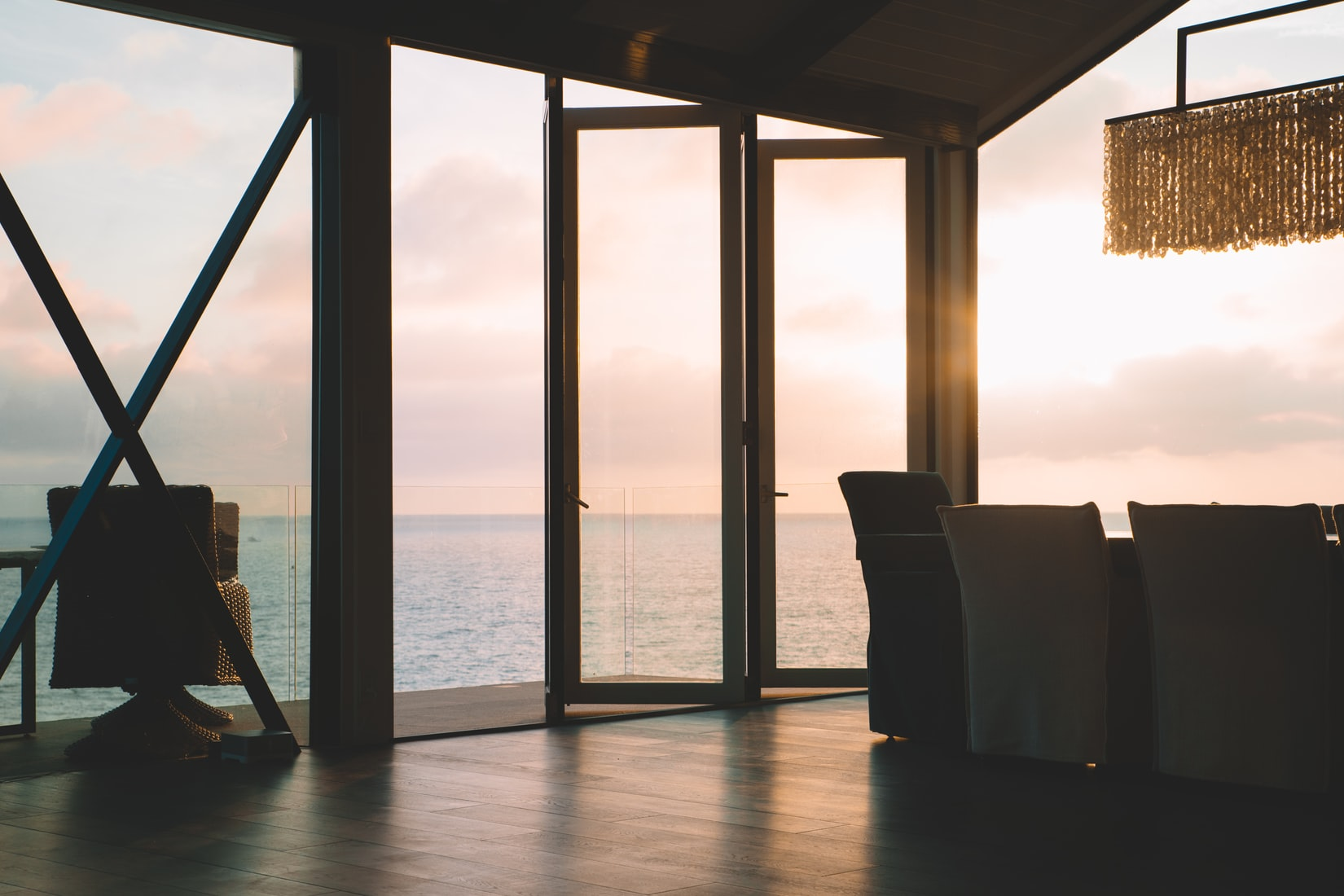Lägenhet Utomlands omslagsbild