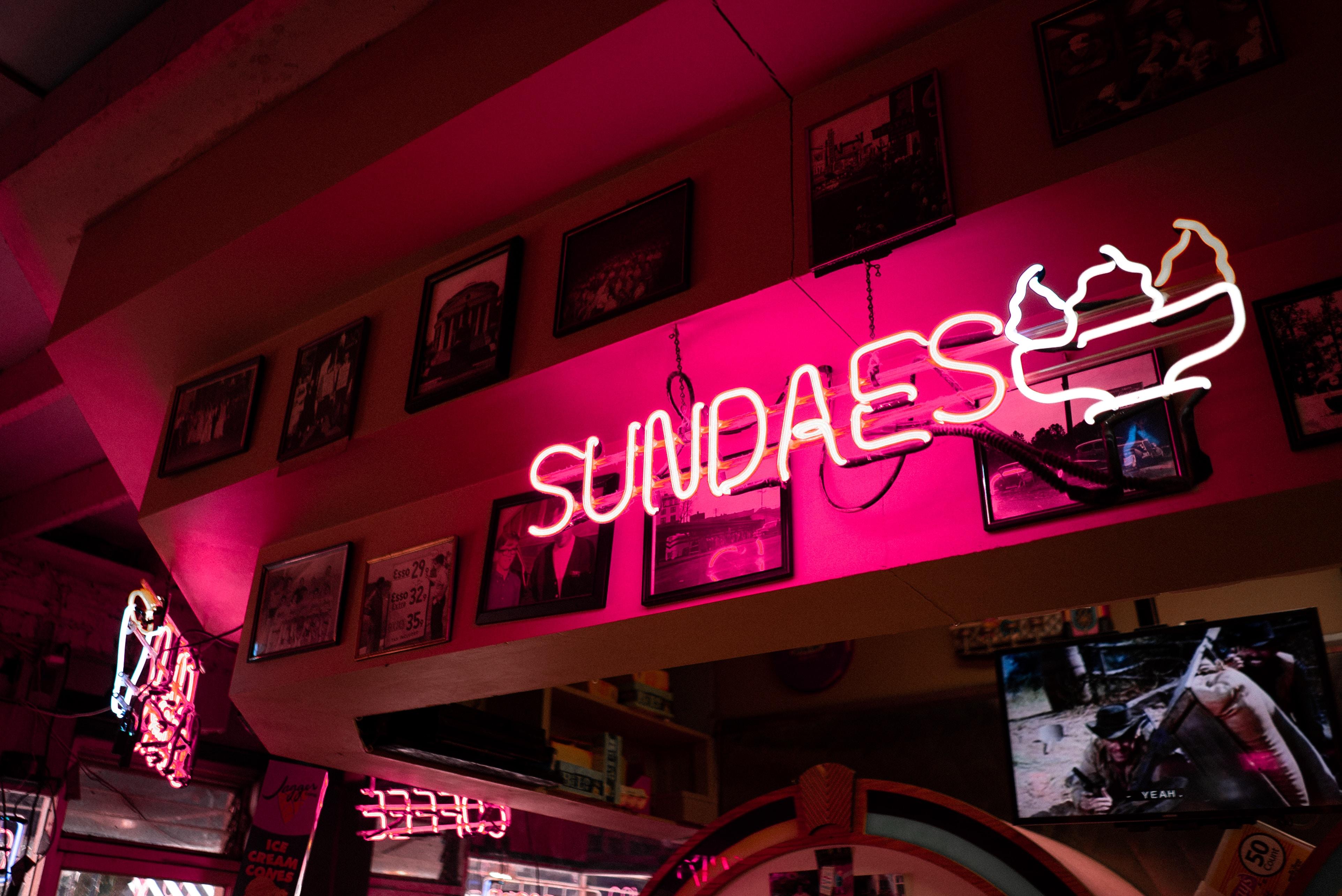 Sundaes signage