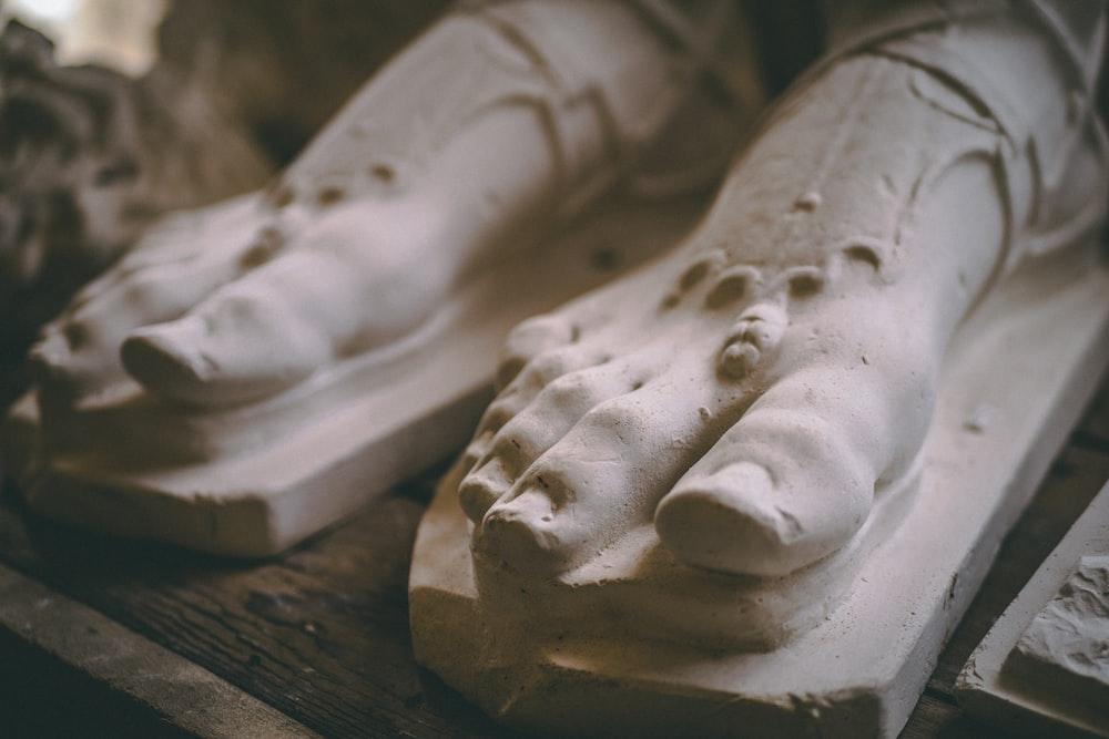 white feet statue