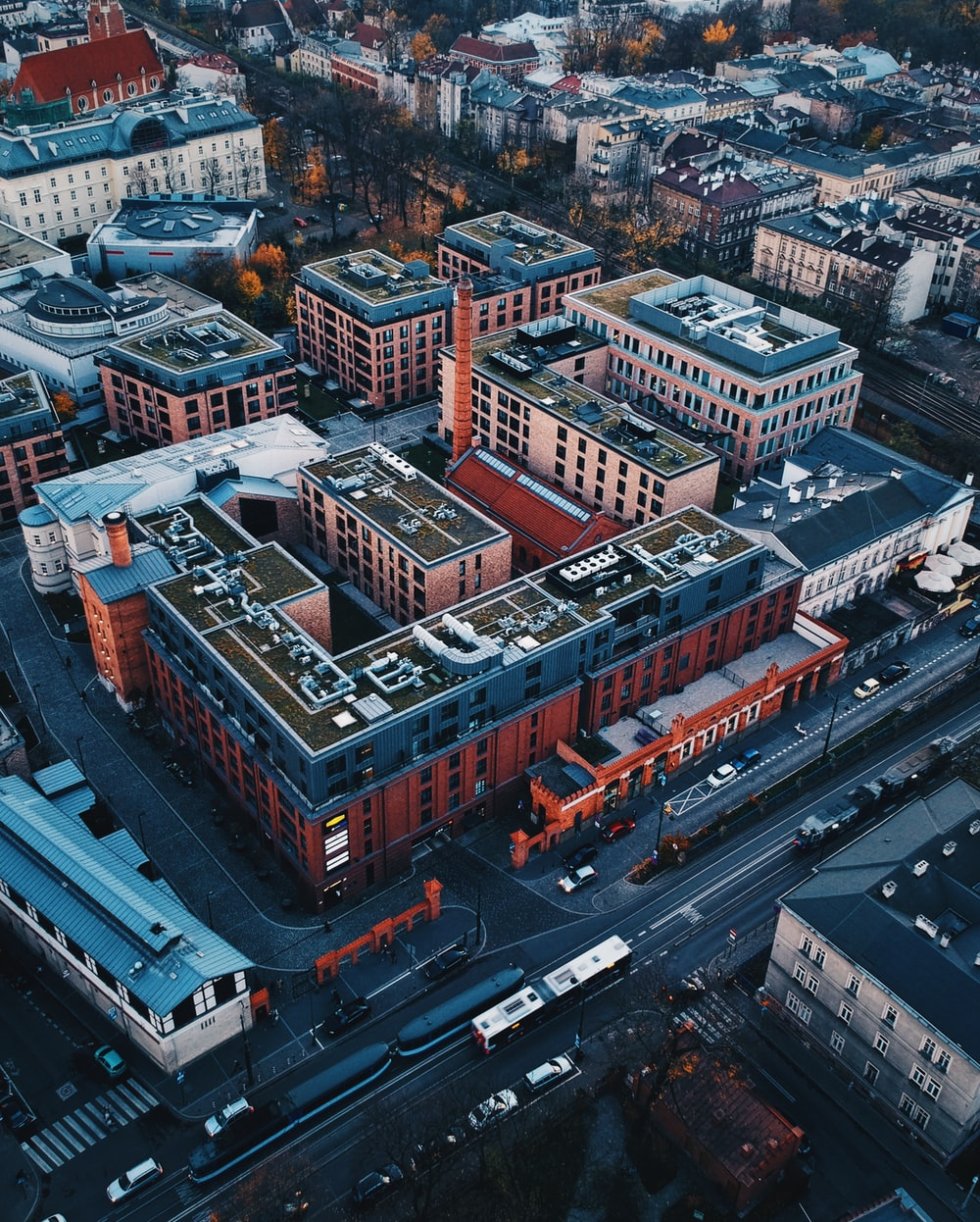 birds eye photography of buildings