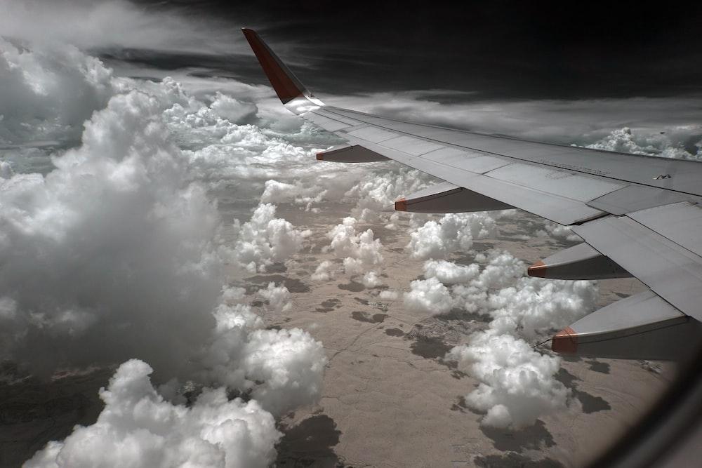 gray airplane