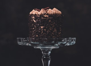 food photography of round chocolate cake