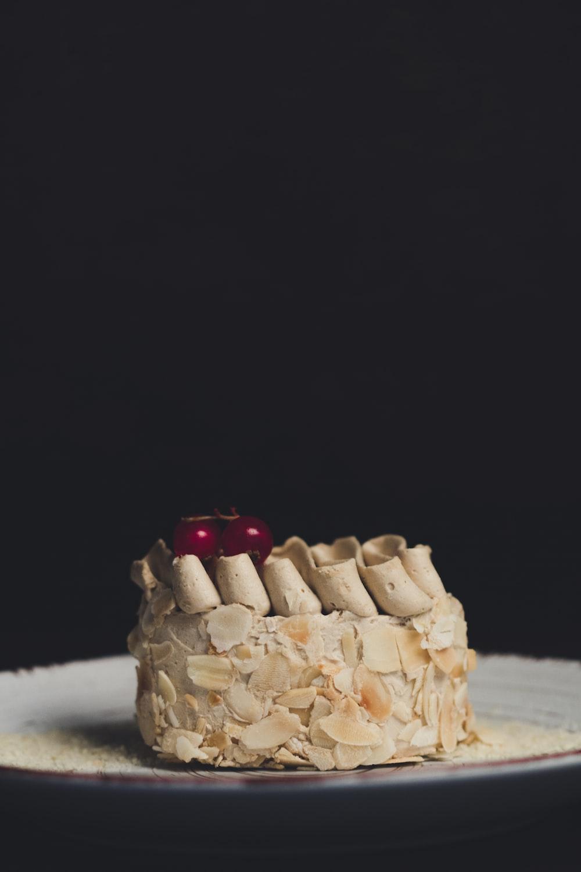 beige cake