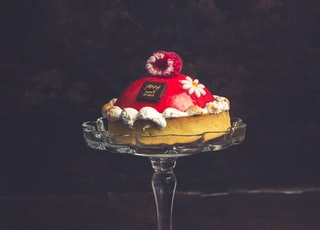 tray of round cake