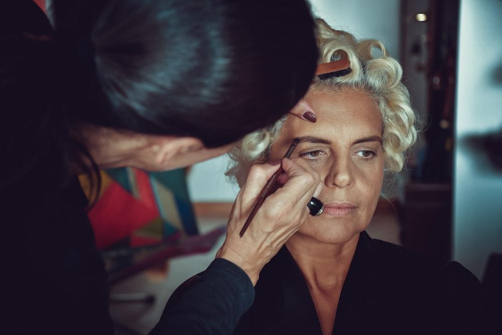 woman having makeup