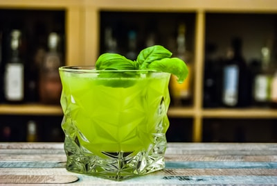 A twist to the classic Whiskey Smashed that substitutes American Whiskey for gin and Mint for basil.