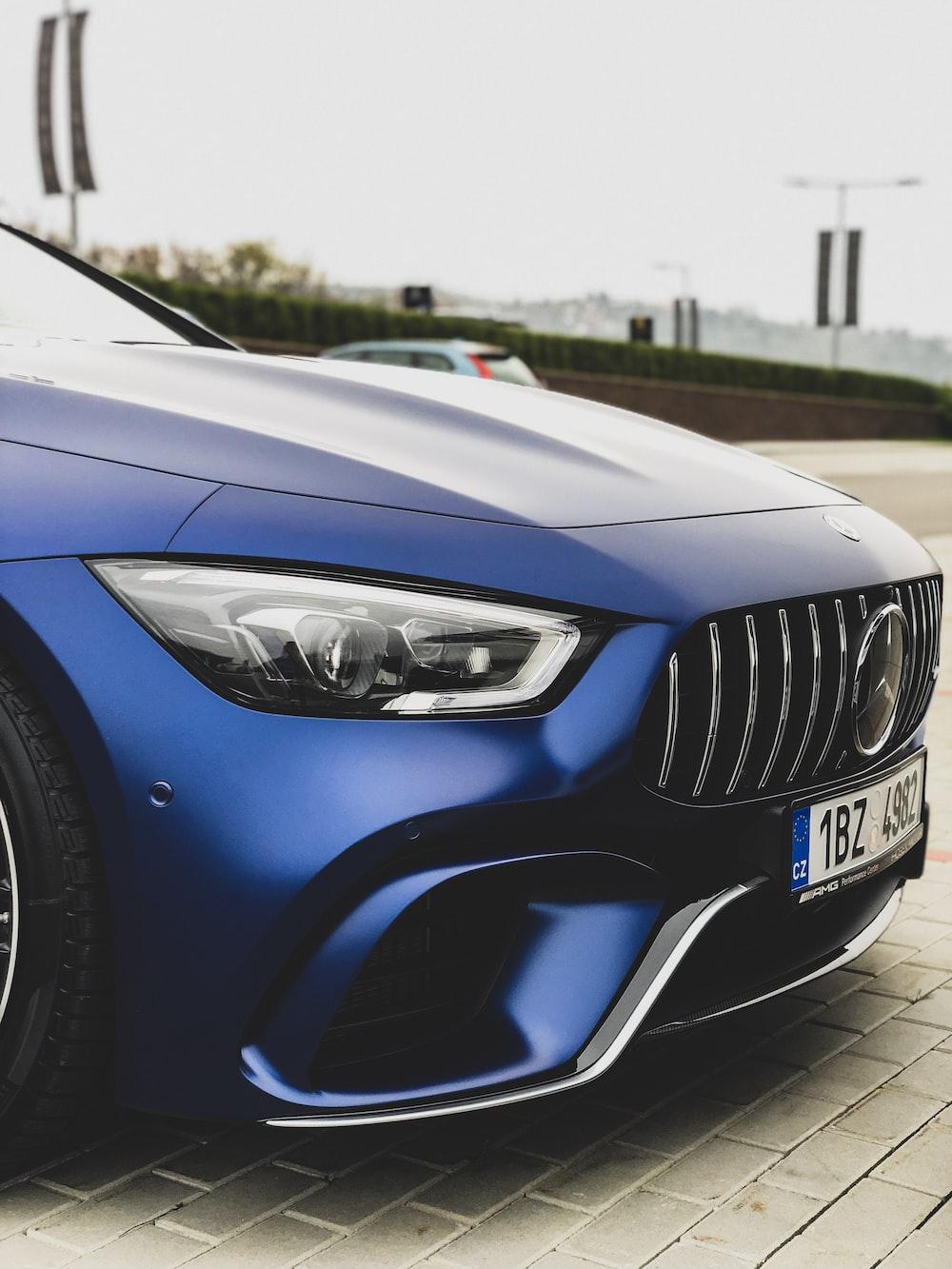 blue Mercedes-Benz car