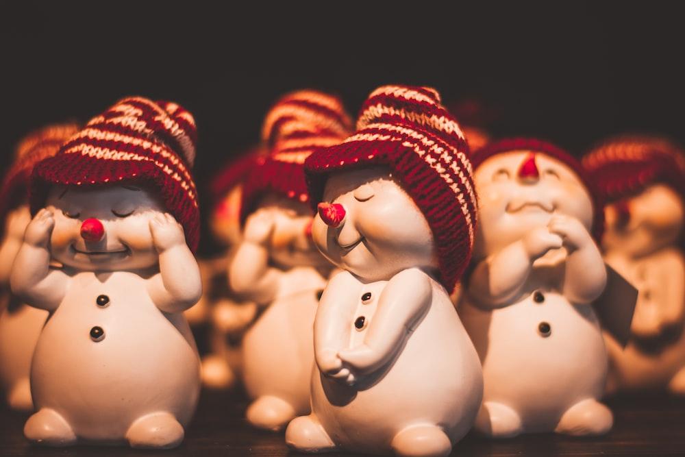 white snowmen cartoon characters