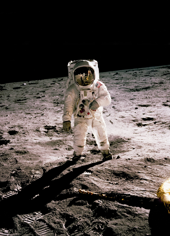 SpaceX, Blue Origin, Dynetics. Jedna z těchto společností přistane pro NASA na Měsíci