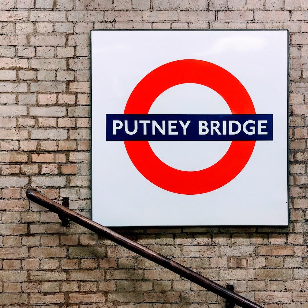 Putney Bridge logo