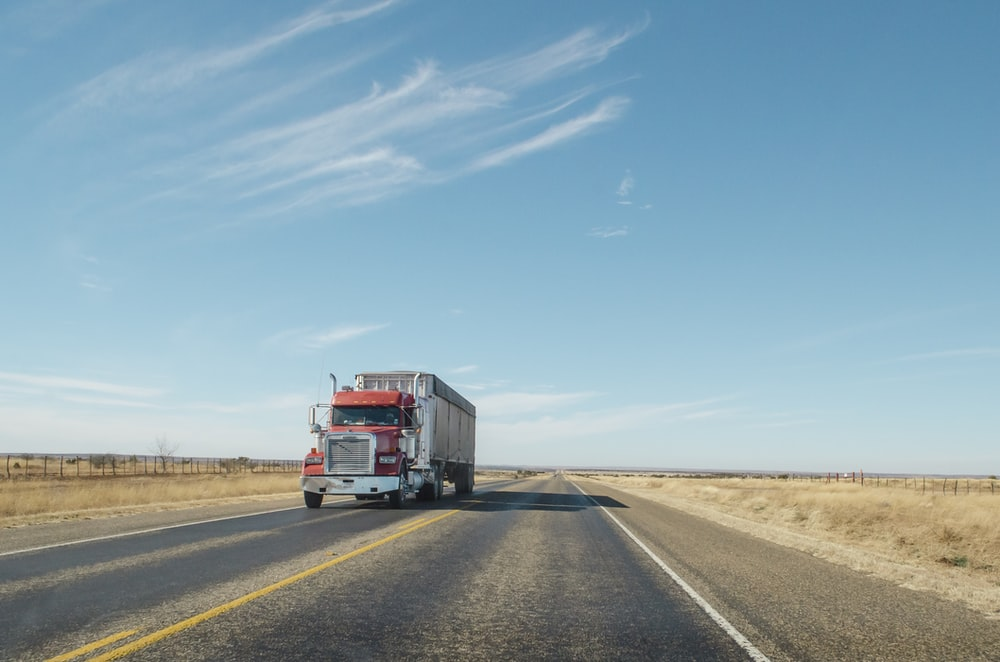 500 Semi Truck Pictures Hd Download Free Images On Unsplash