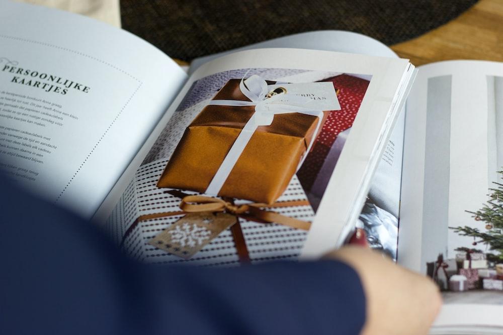 gift box graphic book