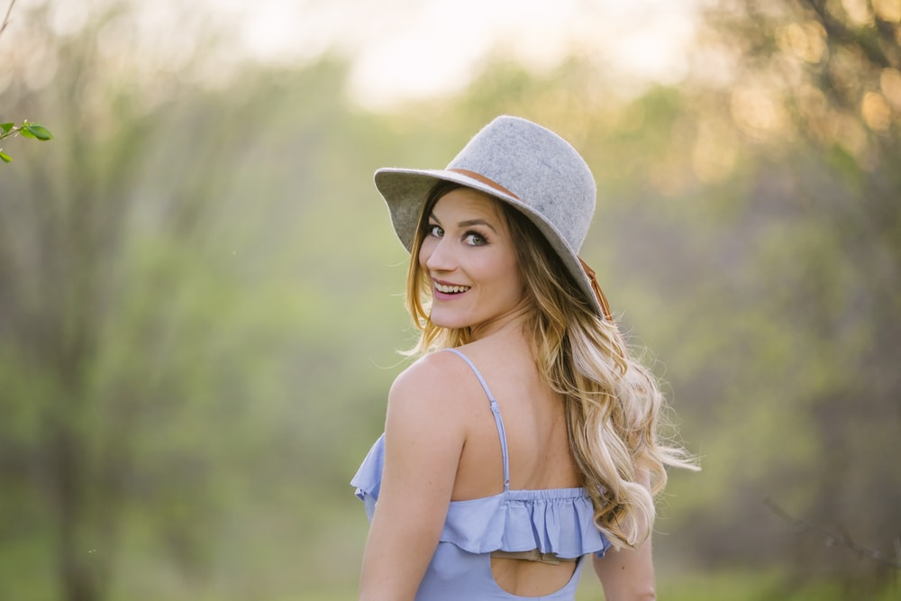 women's gray hat