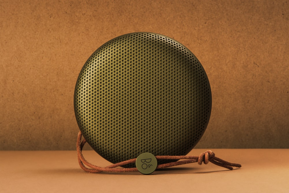 round black speaker