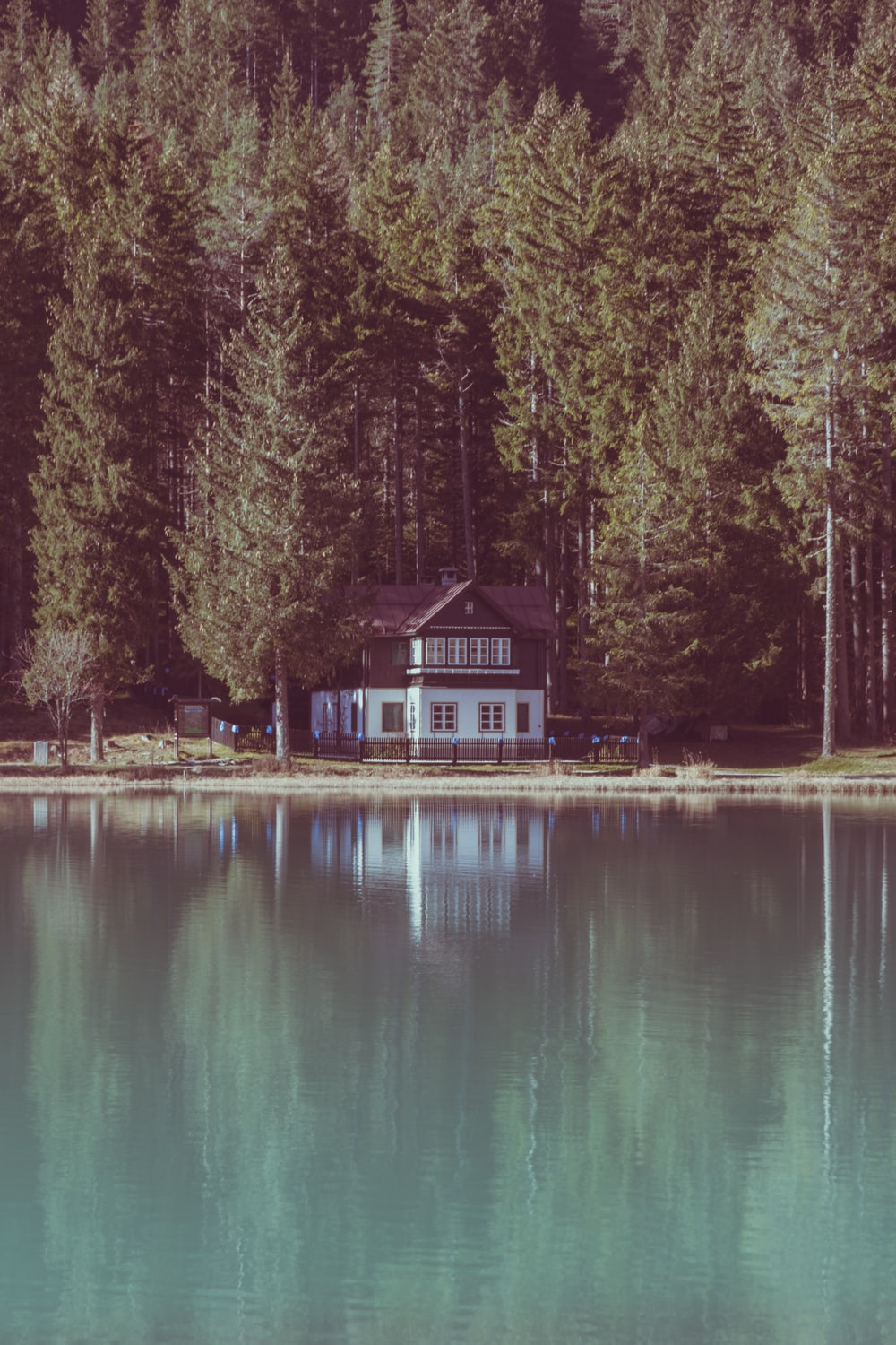 Mountain Cabin Pictures Hd Download Free Images On Unsplash