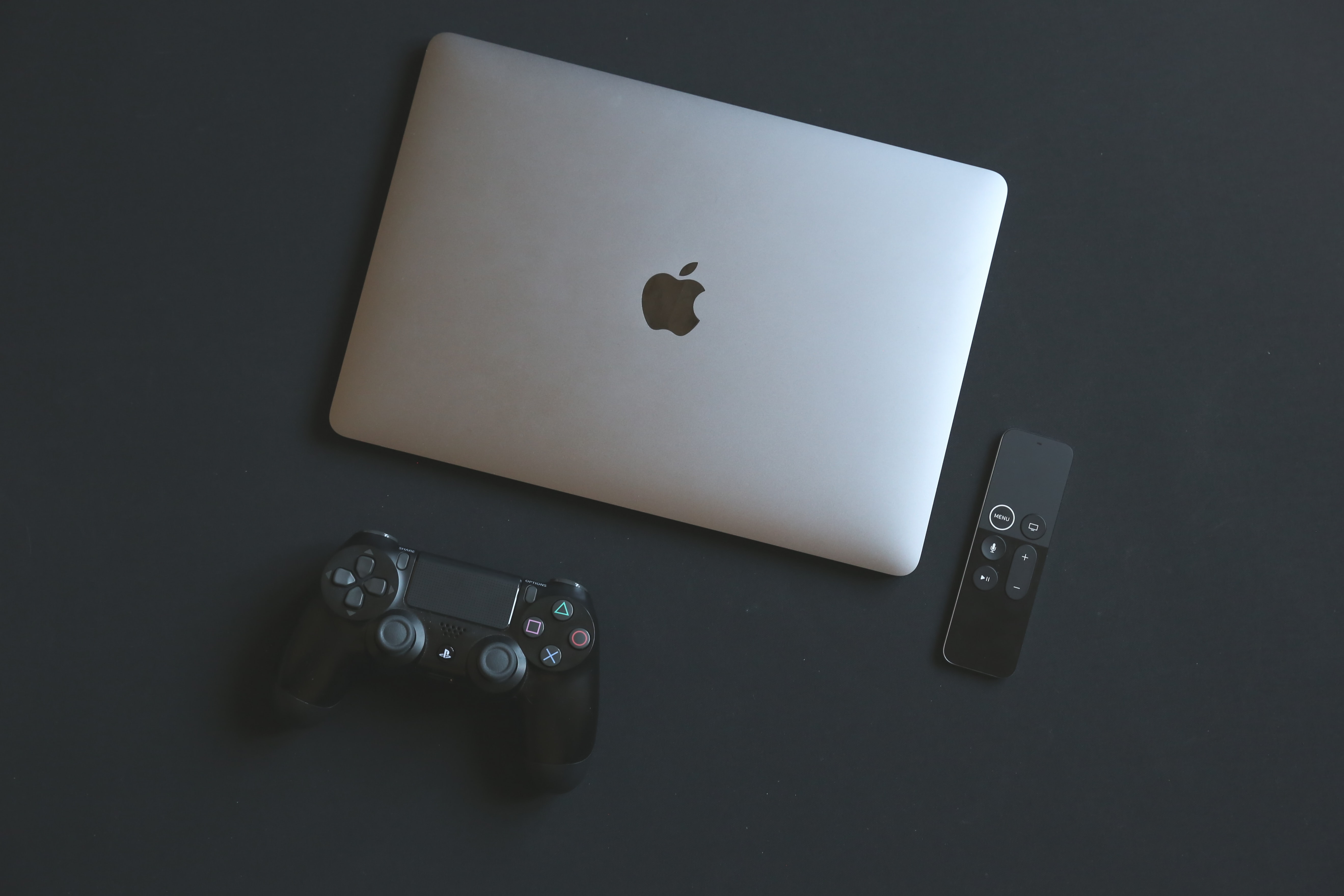MacBook Pro and Sony PS4 controller