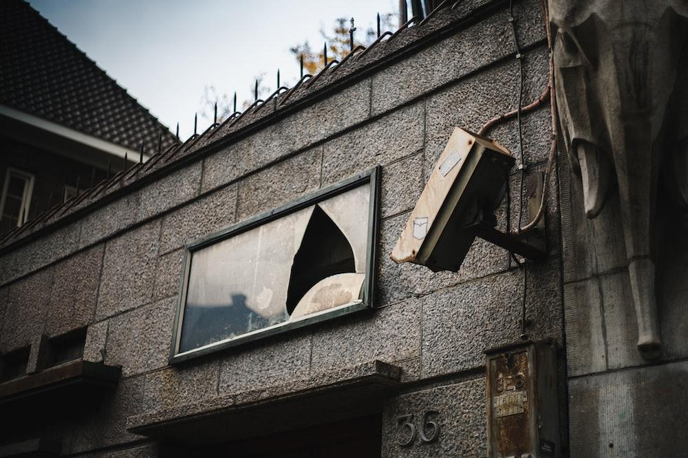shallow focus photo of window