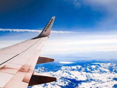 "Ryanair: ""Lo stop al bagaglio a mano? Una follia, così aumenta il contagio"""