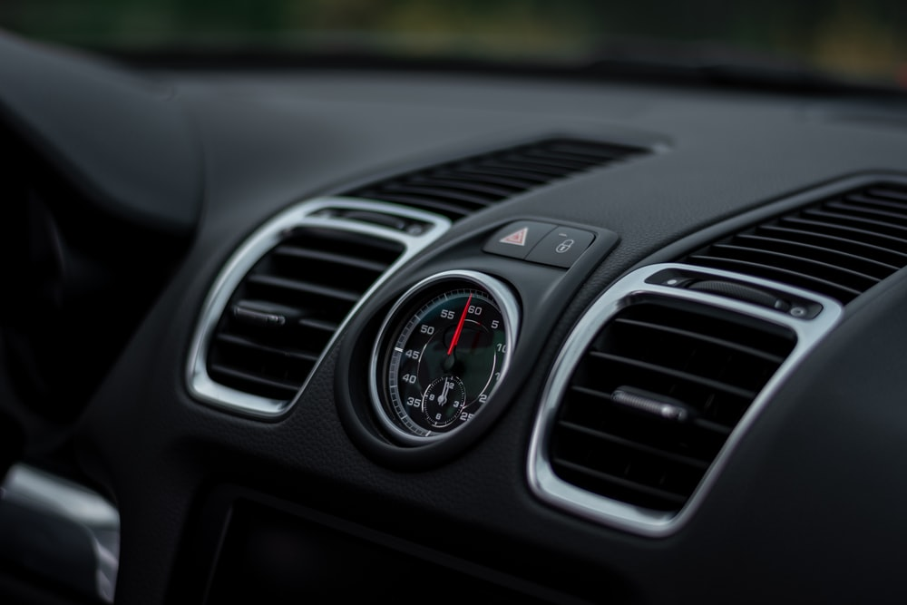 silver and black car air vent