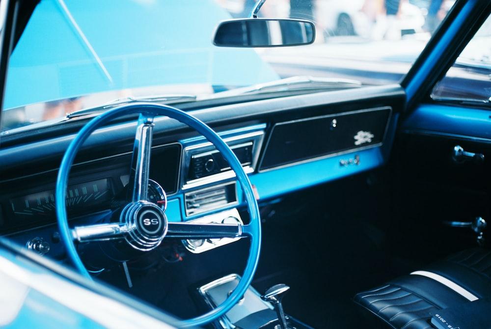 photo of car steering wheel